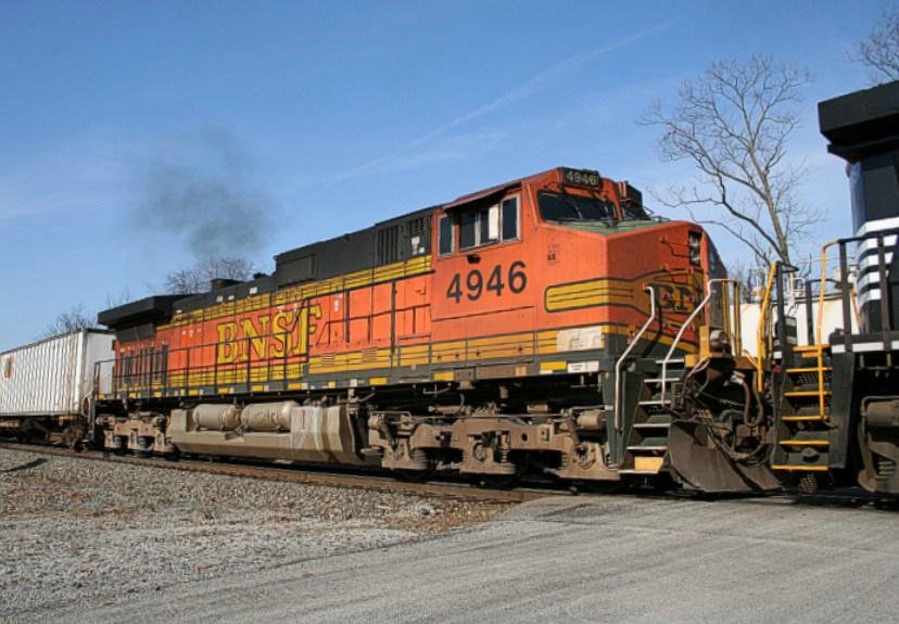 BNSF 4946